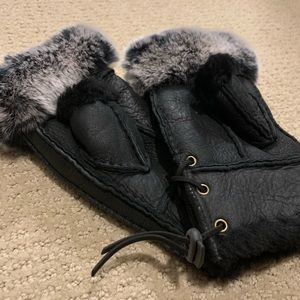 Genuine leather and fox fur fingerless gloves